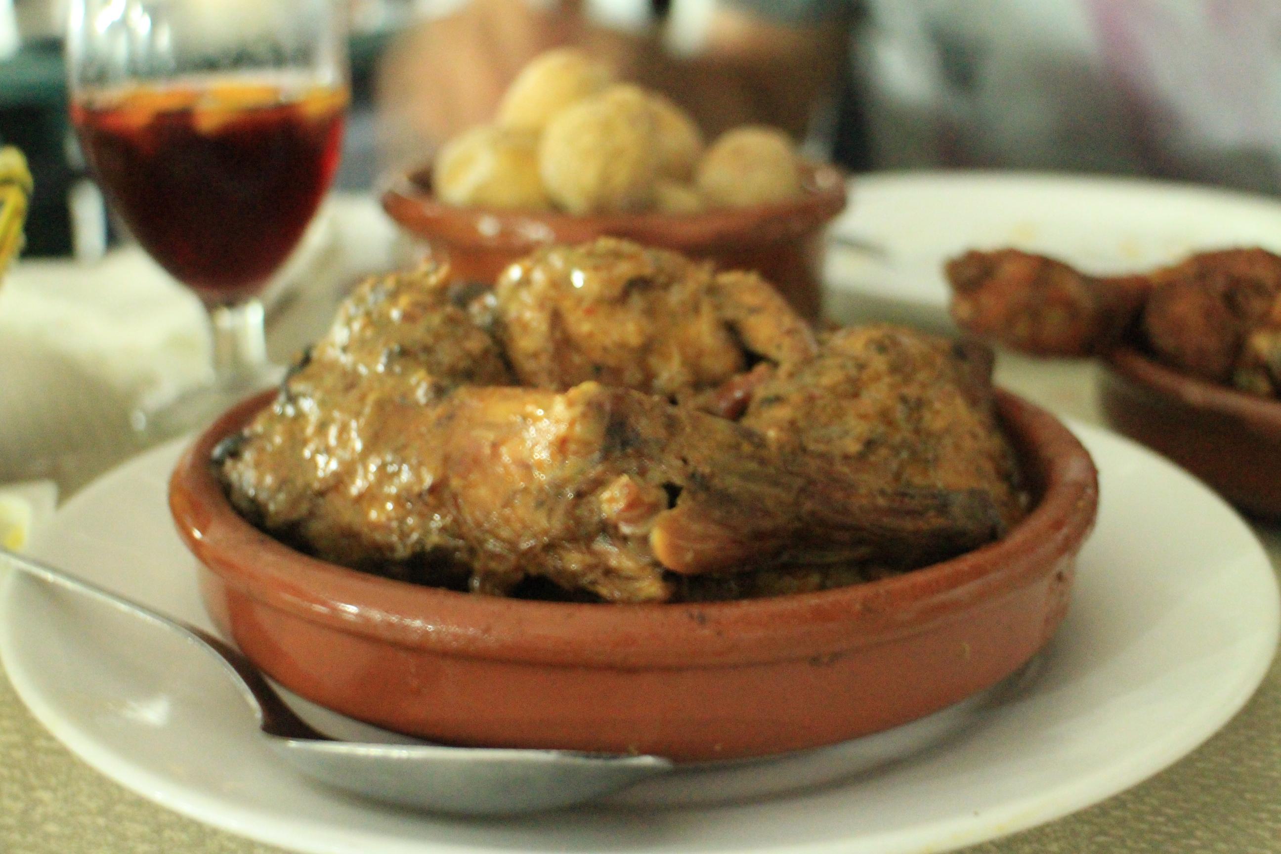老闆娘推薦的茄汁烤兔肉(Conejo al Salmorejo)
