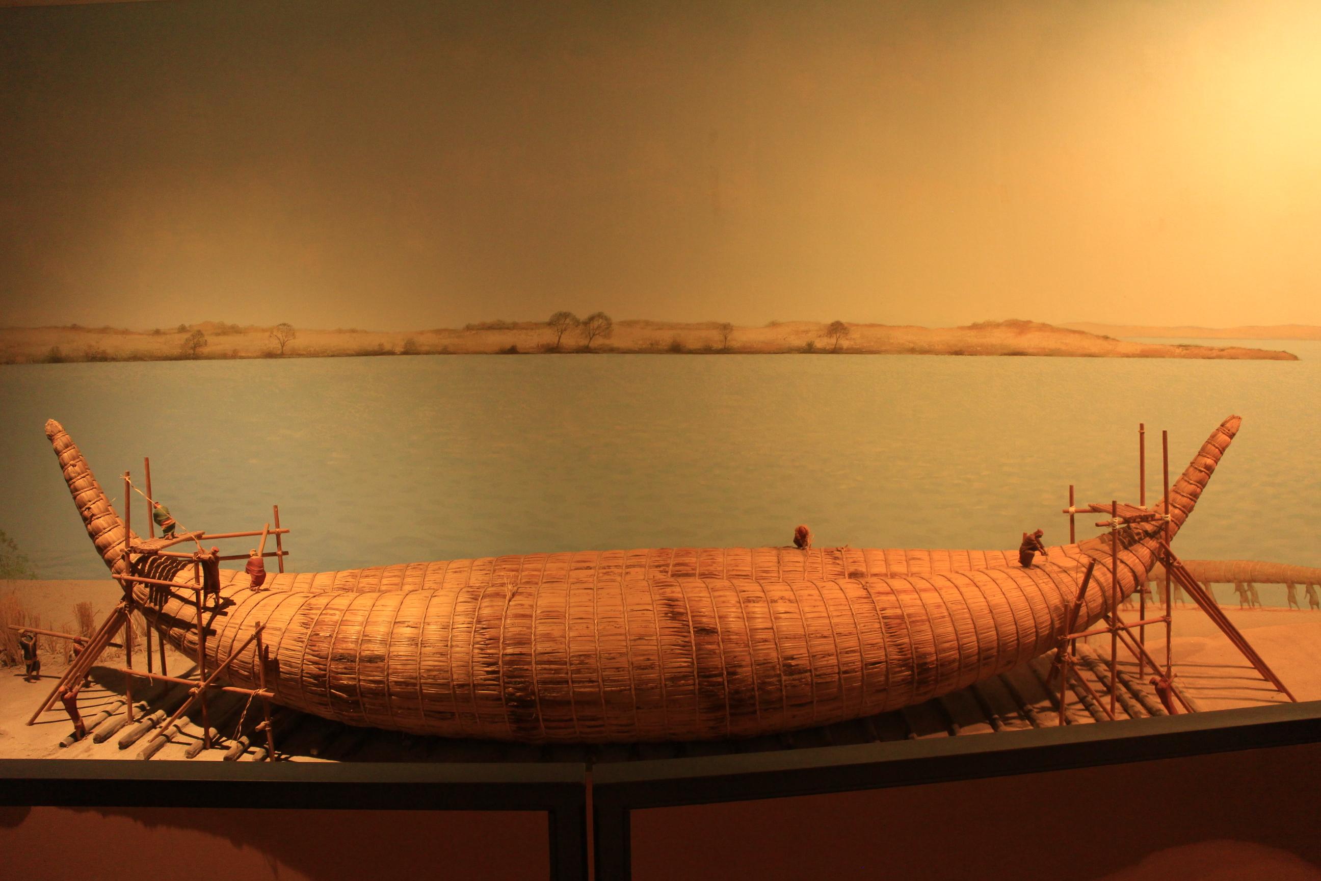 古代人類用來橫跨海洋的蘆葦船模型